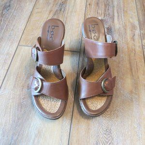 Born Leather Stacked Heel Sandals Size 9